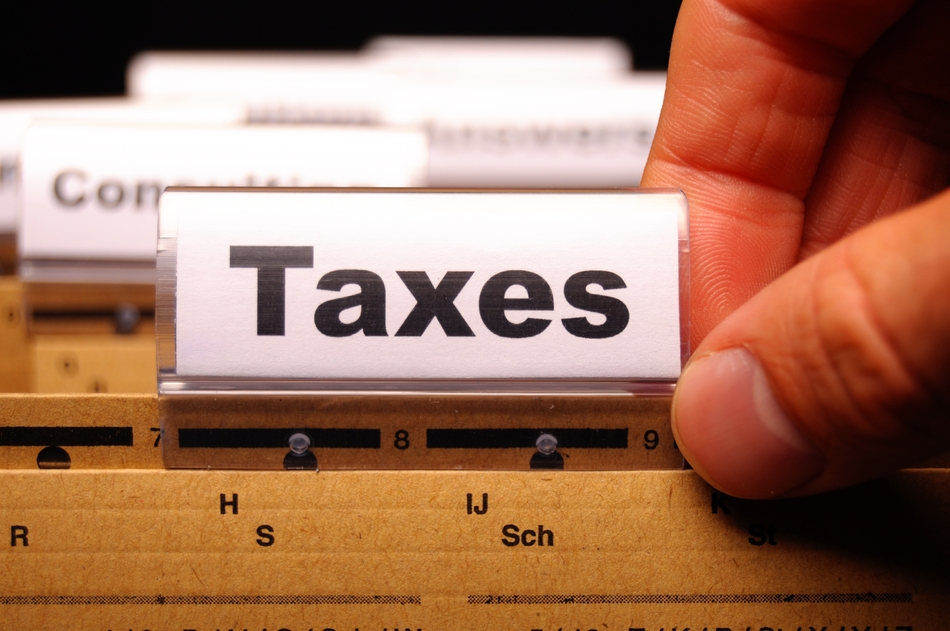 How Should LLCs Handle Corporate Tax on Retained Earnings?